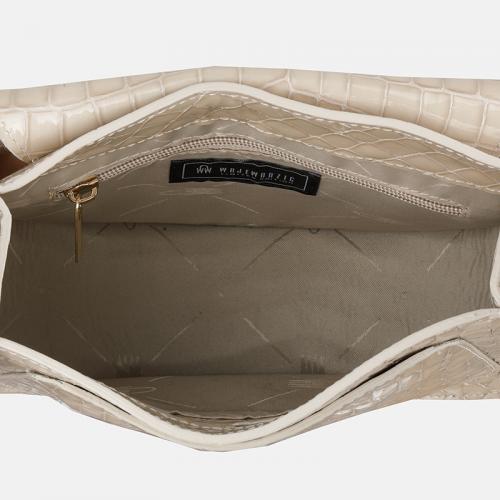 Beżowa mała torebka skórzana crossbody z krokodylim wzorem