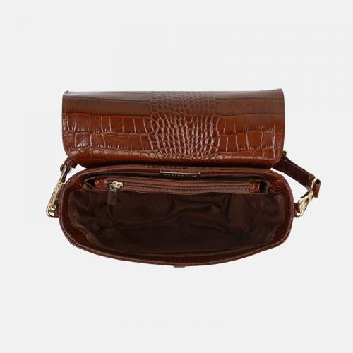 Brązowa torebka typu crossbody ze skóry naturalnej lakierowanej i z krokodylim wzorem