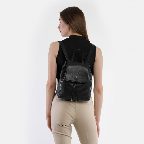 Czarny plecak damski ze skóry naturalnej