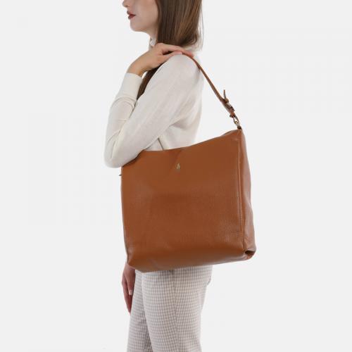 Duża torebka skórzana na ramię w miodowym kolorze