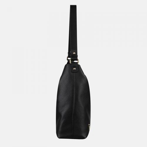 Czarna torebka ze skóry naturalnej na ramię