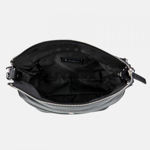 Czarna torebka ze skóry naturalnej typu listonoszka
