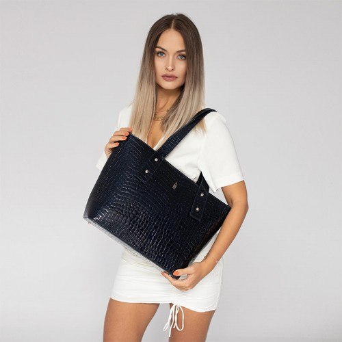 Granatowa torebka shopper bags ze skóry we wzór krokodyla