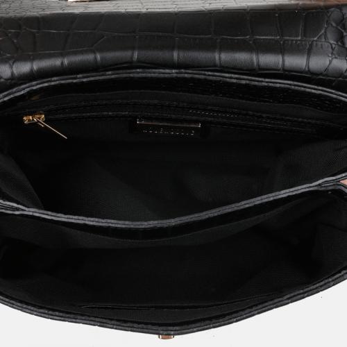 Mała czarna torebka skórzana z tłoczeniem imitującym wzór krokodya
