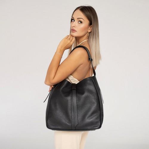 Czarna duża torebka worek ze skóry naturalnej
